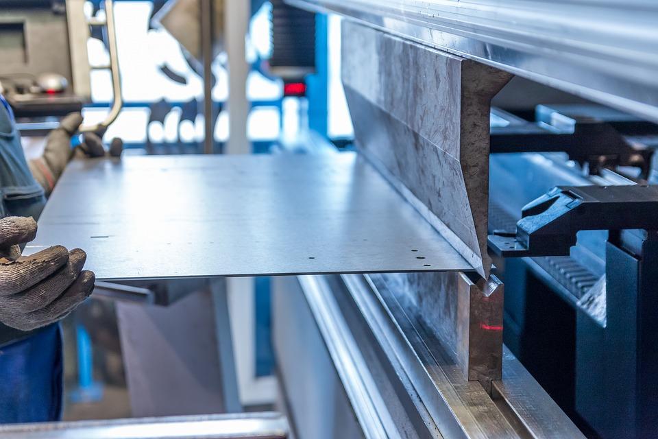 Inox ou laiton : quel matériau choisir pour sa rambarde ?